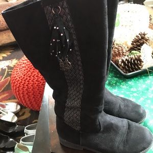 Black suede girls boots